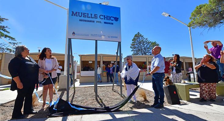"""Inauguración del nuevo paseo de artesanos """"Muelle Chico"""" y carteleria nueva en Puerto Madryn"""